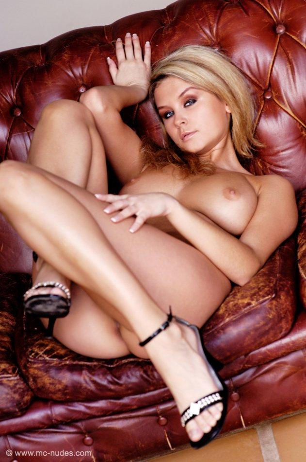 MC Nudes Art Erotica Thumbnail Gallery : Blonde amateur ...